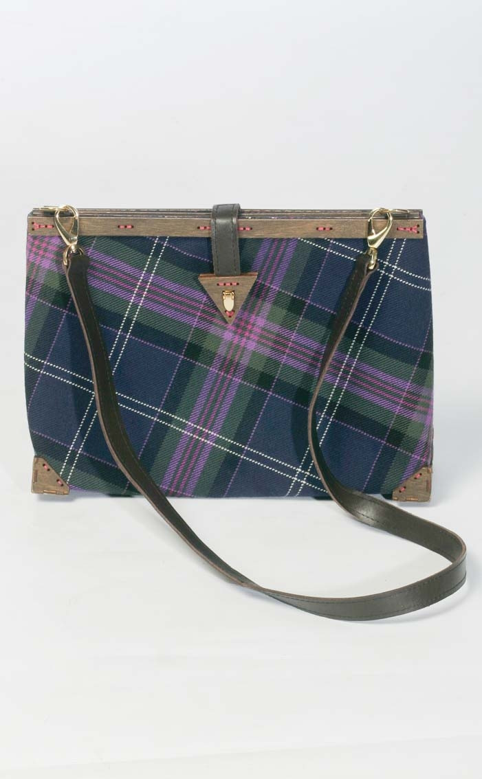 scotweb-clutch-handbag-scotland_the_brave_modern-front