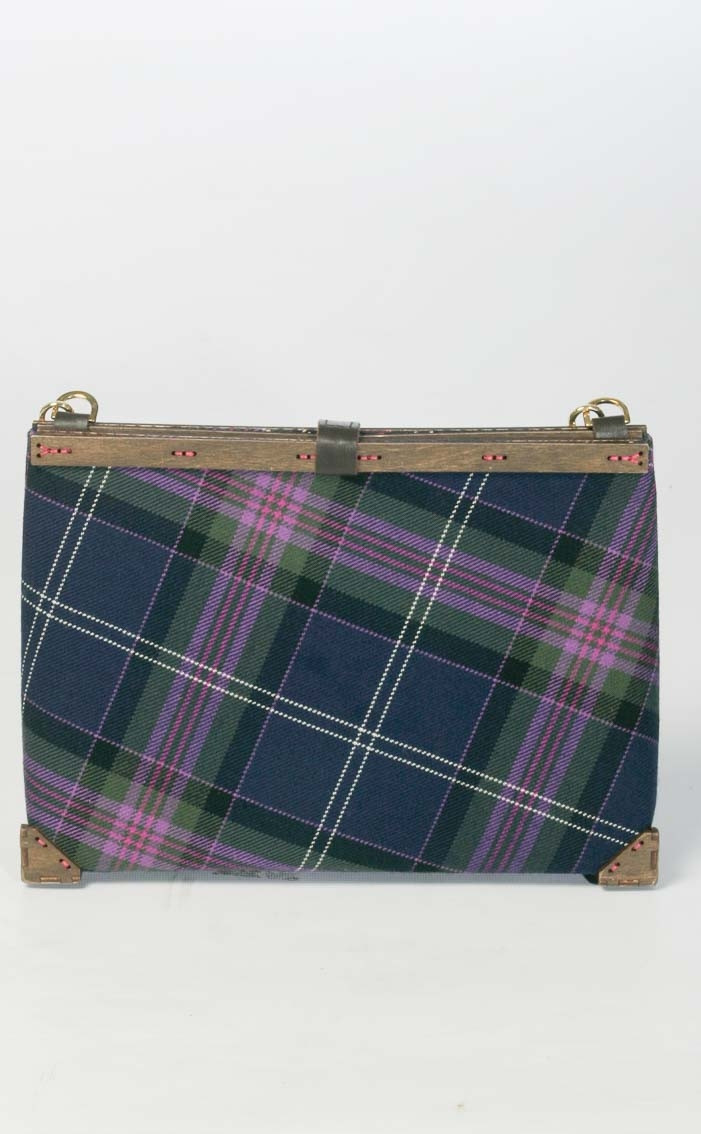 scotweb-clutch-handbag-scotland_the_brave_modern-rear-2