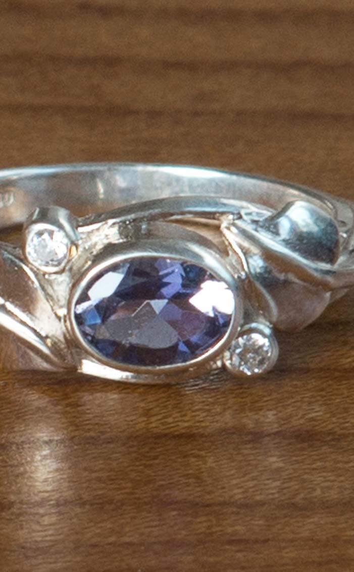 scotweb-fr158-silver-iolite-cz-detail
