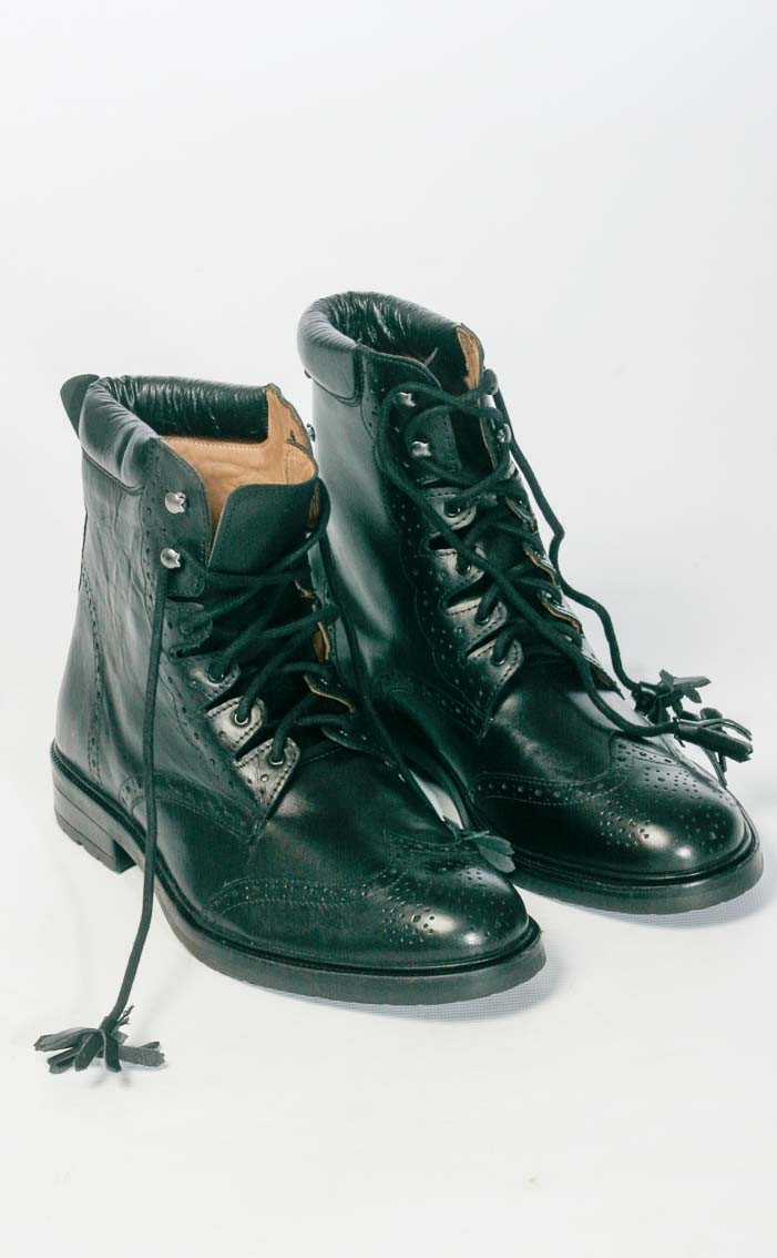 scotweb-ghillie-boots-black-front