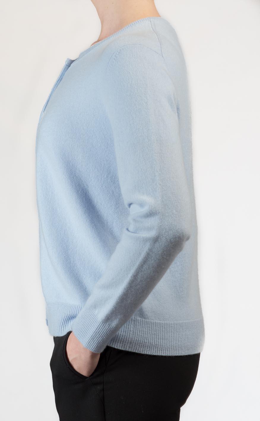 Colour: Pale Blue