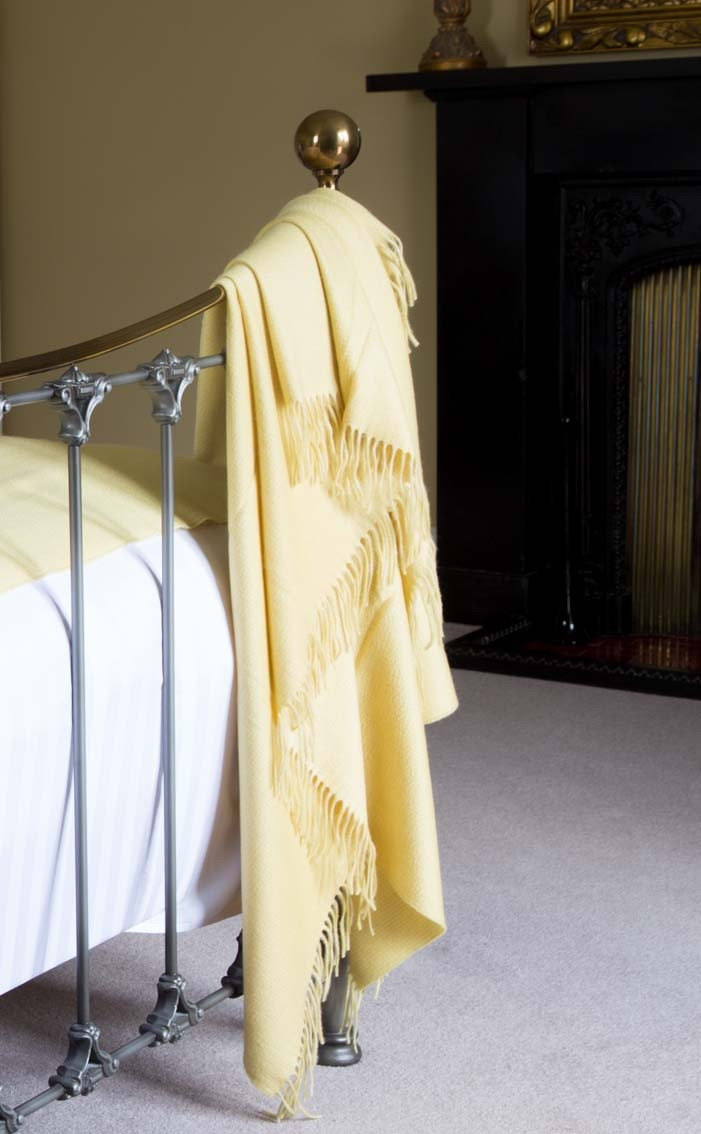 tartanmill-cashmere-throw-merchiston-field-yellow-plaid-3