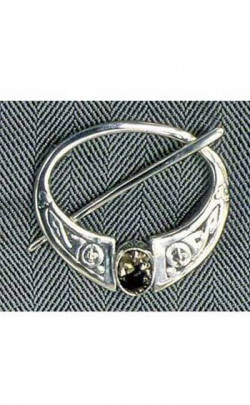 Scottish Quartz Penanular Celtic Brooch, 1 stone