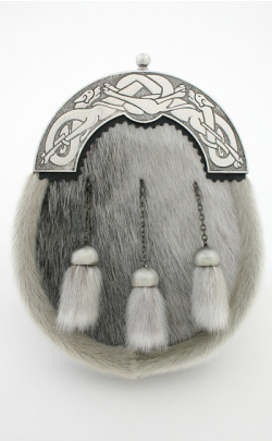 Dress Sporran with Celtic Dog Cantle