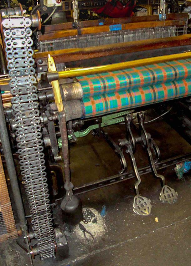 The chain on the loom