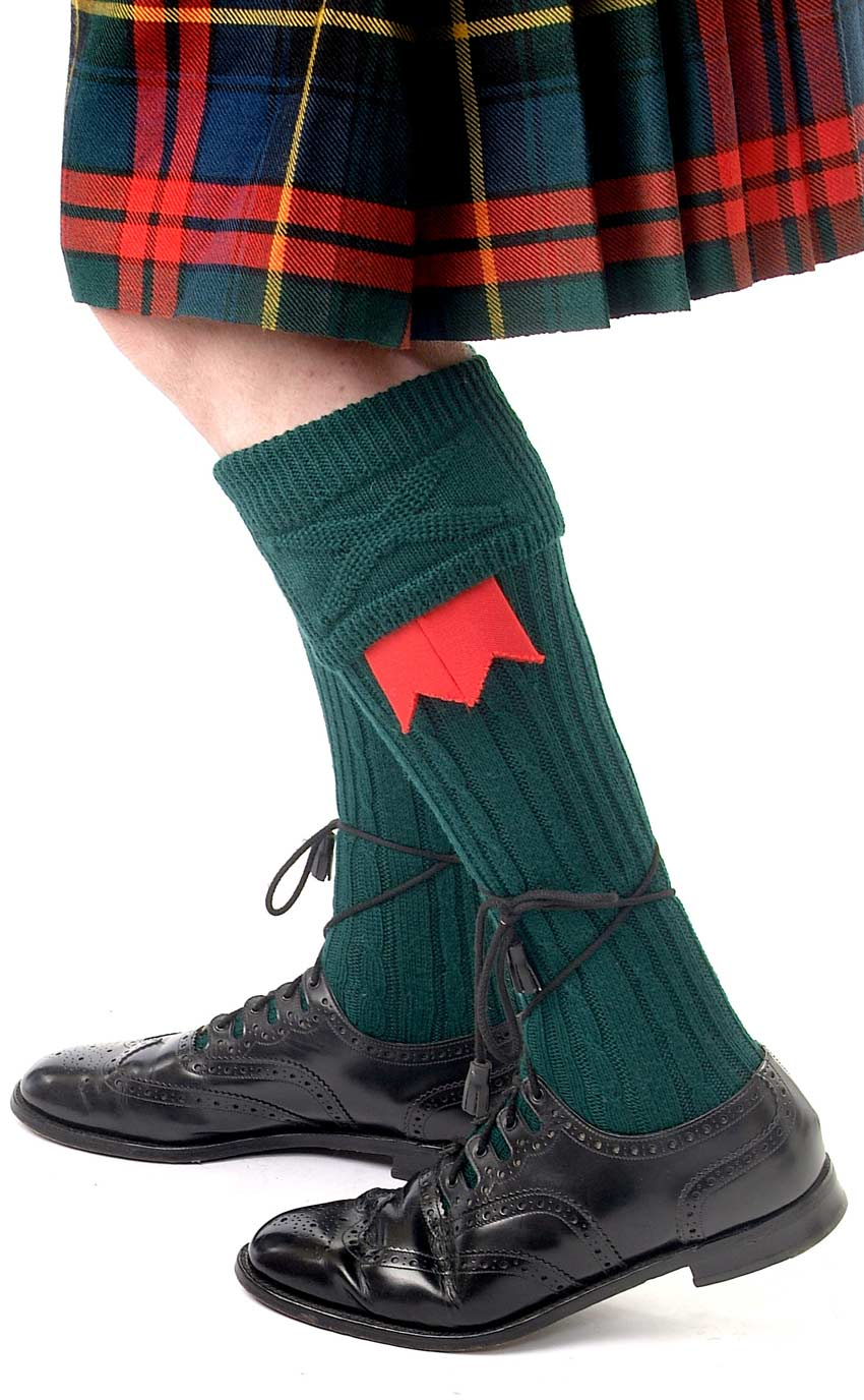 Kilt hose with flashes and brogues